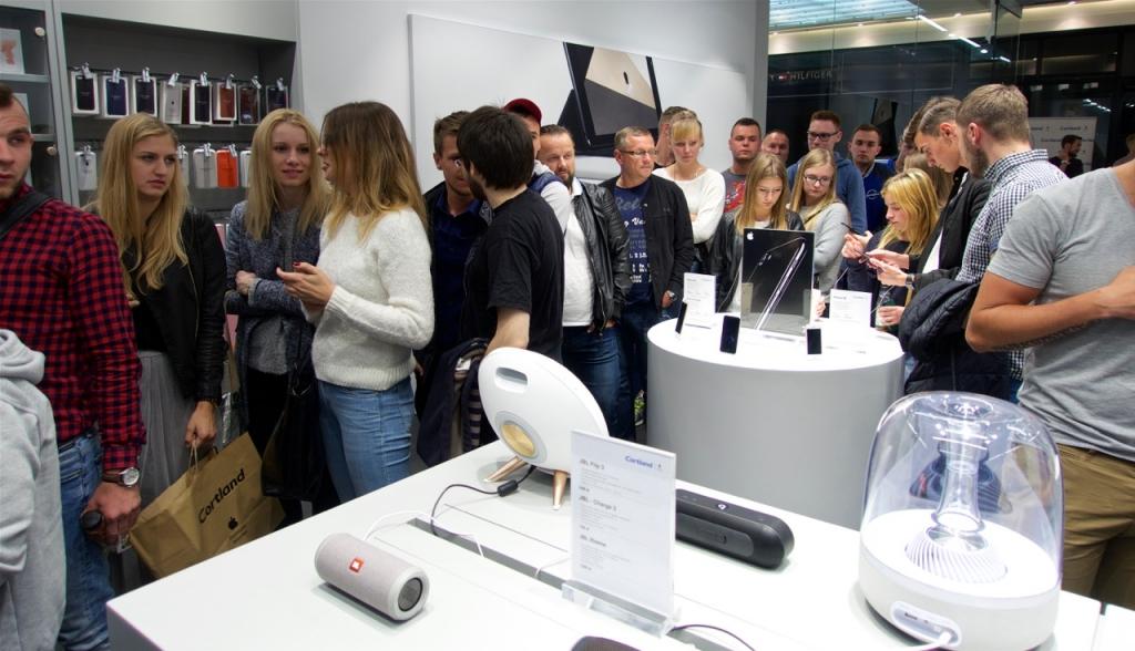 Poznańska Premiera iPhone'a 7 i Apple Watch Series 2 w Cortland Apple Premium Reseller