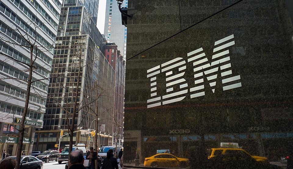 Pracownicy IBM użytkujący komputery Apple są wydajniejsi i osiągają lepsze wyniki sprzedażowe