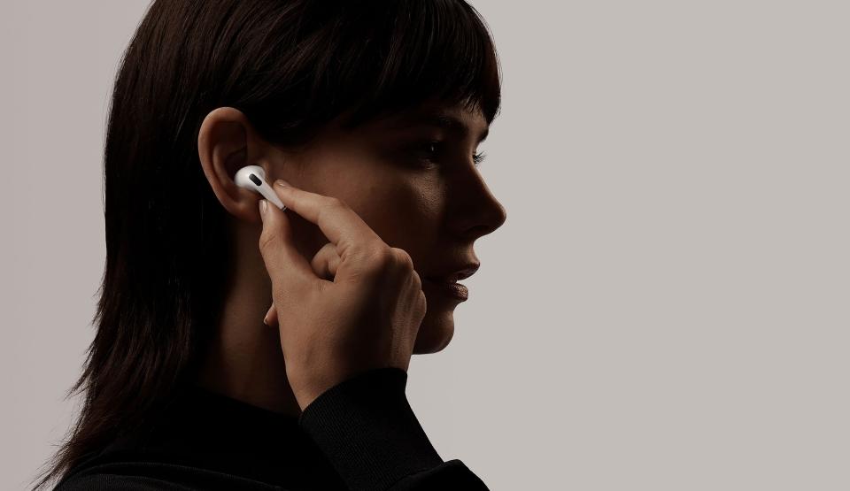 Jak czyścićsłuchawki AirPods i EarPods?
