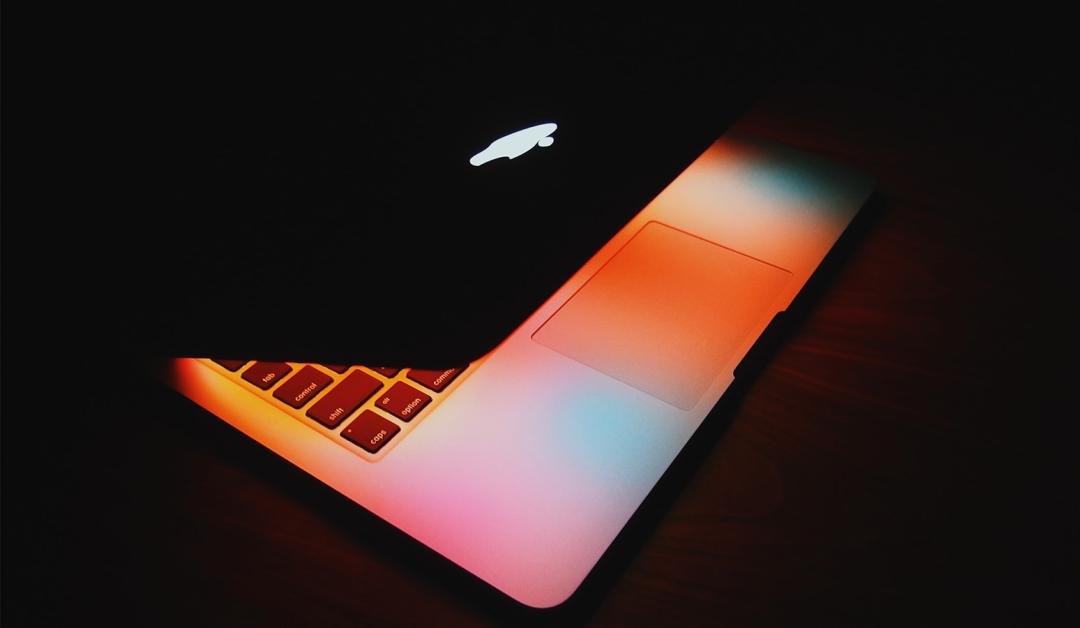 MacBook samoczynnie przechodzi w stan uśpienia – dlaczego tak się dzieje i jak temu zapobiec?